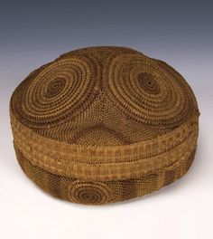 Africa | Kasai Basket. DR Congo | 1920s-1930s | Raffia and other natural fibre