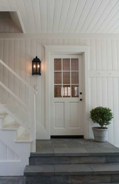 New exterior stairs architecture entrance entryway Ideas Front Door Steps, Porch Steps, House Front Door, Front Entry, Garage Entry, Side Door, Exterior Stairs, Interior Exterior, Exterior Design