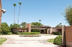 loving this midcentury modern home!