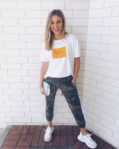 """always believe that something wonderful is about to happen"" . like t-shirts, funky pants, and chunky tennis shoes are going to come into… Dresses With Tennis Shoes, Tennis Shoes Outfit, Sadie Robertson Dresses, Sadie Robertson Tattoo, Fashion Pants, Fashion Outfits, Funky Pants, Summer Outfits, Cute Outfits"