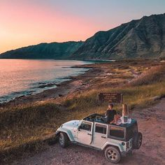 jeep on the beach Adventure Awaits, Adventure Travel, Beach Adventure, My Dream Car, Dream Cars, Camping, Fitz Huxley, Hors Route, Kayak