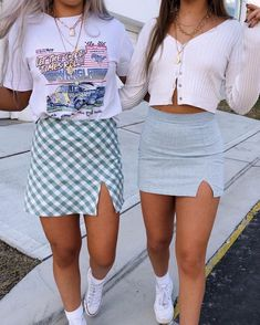 retro outfits Grateful to have this one to do life with the closest we will probably get to twinning so here is todays ootd Source by outfits Teenage Outfits, Teen Fashion Outfits, Mode Outfits, Look Fashion, Girl Outfits, Teenage Clothing, Clothing Ideas, Preteen Fashion, Dress Outfits