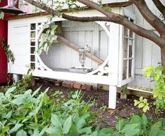 Chicken Coop Ideas 605171268664175310 - Remember a month or so ago I posted a picture of an up cycled project we were doing using an old screen door, barn window and cedar… Source by bertonnadge Bunny Cages, Rabbit Cages, Diy Bunny Cage, Diy Garage Door, Diy Door, Backyard Farming, Chickens Backyard, Rabbit Enclosure, Old Screen Doors