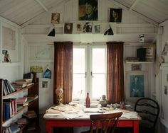 Dylan Thomas' Writing Shed,  Laugharne