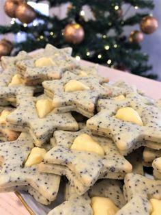 Mákos linzer citromkrémmel töltve - New Ideas Hungarian Desserts, Hungarian Recipes, Bakery Recipes, Cookie Recipes, Dessert Recipes, Sweet Desserts, Sweet Recipes, Keks Dessert, Food Crush