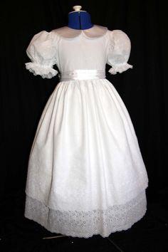 Stunning White Eyelet/Satin Communion/Portrait/Flower von mom2rtk, $129,99