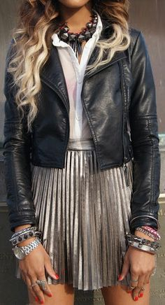 Usually not that fond of metallic print, but this outfit is impossible not to love!