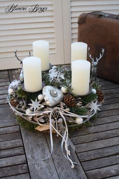 h ngekranz adventskranz wei gr n ideen pinterest adventskranz wei gr n und weihnachten. Black Bedroom Furniture Sets. Home Design Ideas