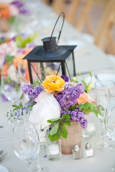 floral centerpiece ideas http://www.weddingchicks.com/2013/09/11/mediterranean-wedding/