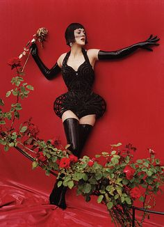 Red Hot, W Magazine / Marion Cotillard & Christopher Michaut by Tim Walker / Stylist Jacob K. Fashion Shoot, Editorial Fashion, Fashion Art, High Fashion, Fashion Beauty, Fetish Fashion, Latex Fashion, Beauty Style, Style Fashion