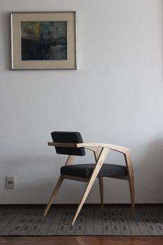 Mantis Chair by Claudio Sibille, via Behance