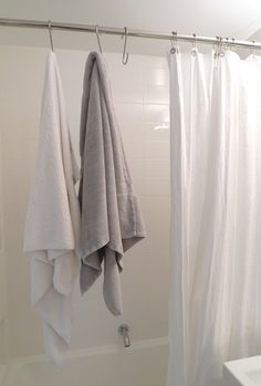 space-saving bathroom towel hook solution: pot hooks instead of hanging over shower rod Tiny House Talk, Tiny House Design, Space Saving Bathroom, Small Bathroom, Bathrooms, Ikea Bathroom, Bathroom Ideas, Bathroom Towel Hooks, Bathroom Shelves