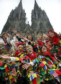 Karneval in Köln oder Fasching in Mainz feiern