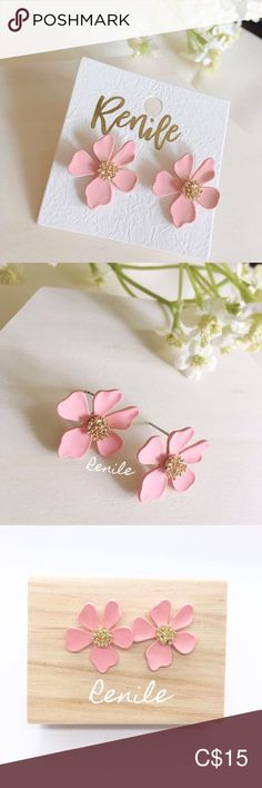 🌸 Pink Floral Earrings 🌸 · 100% Brand NEW · Material: Alloy, Copper · Needle Material: Steel  · Size:  W 1.9 cm x H 1.9 cm · Sold only in pairs · Nicely pack with box · All pictures took from the real items. However, as the actual colors you see will depend on your monitor, we cannot guarantee that your monitor's display of any color will be accurate. Jewelry Earrings All Pictures, Pink And Gold, Congratulations, Pink Ladies, Monitor, Women Jewelry, Copper, Pairs, Display