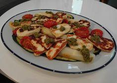 Ottolenghi´s Halloumi, Asparagus, Tomatoes and Courgette Salad - Šalát zo syra halloumi, špargle, polosušených paradajok a cukety inšpirovaný Ottolenghim
