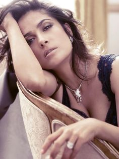 This woman never grow old ! gonna sell my soul 2 know her secret !! Salma Hayek