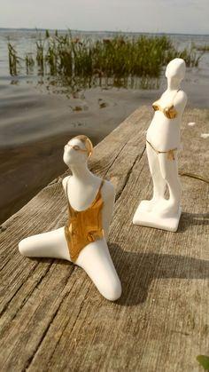 Porcelanowe figurki pływaczki i bikini Projekt: Natalia Gruszecka  Zdjęcia telefonem: LUMANNdesign.com