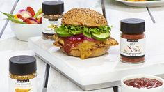 Bring bold Hawaiian flavours home with this juicy, grilled pineapple topped burger. Barbeque Chicken Recipes, Barbeque Side Dishes, Easy Bbq Recipes, Epicure Recipes, Healthy Summer Recipes, Best Chicken Recipes, Grilling Recipes, Steam Chicken Recipe, Bbq Menu