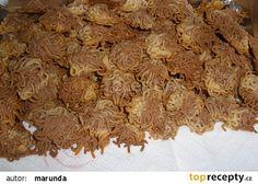 Špagetky - cukroví recept - TopRecepty.cz Beef, Desserts, Food, Meat, Tailgate Desserts, Deserts, Essen, Dessert, Ox