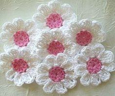 Pattern Free decoration crochet flowers. see model share girl. wonderful pattern