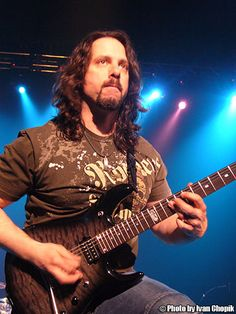 John Petrucci, guitarist of Dream Theater. Awesome on the guitar, even better as songwritter Heavy Metal Music, Heavy Metal Bands, Jimmy Page, Dream Theater, Best Guitarist, Swan Song, Rockn Roll, Paranormal Romance, Film Music Books