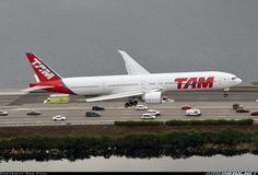 Boeing 777-32W/ER aircraft picture