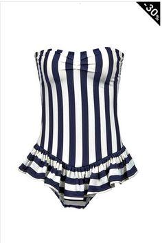 Maillot de bain 1 pièce Juicy Couture 169€ soldé 118€ http://www.monshowroom.com/fr/zoom/juicy-couture/maillot-bustier-a-volant-une-piece/157270