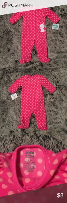 Carter's Fleece Snap Front Pajamas NWT Carter's Fleece Snap Front Pajamas brand new with tags. Pink fleece (so cozy!) with light pink polka dots and cute mouse on the front. Snap front. Carter's Pajamas Pajama Sets