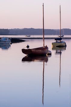 à Ile-Tudy - côté Rivière de Pont L'Abbé depuis le môle #Finistere #Bretagne © Paul Kerrien  http://toilapol.net