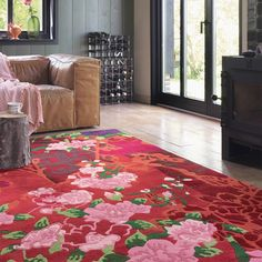 Kodari Garland Rugs are Handknotted in Nepal according to Tibetan tradition using 100% Pure wool before being washed and carved to provide a beautiful luster and a luxurious, soft pile.