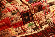 What an awesome quilt idea...all clothing labels!