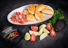Empanadat ja pikasalsa #poppamies #savustus #grillaus #maustaminen #ruoka #ruuanlaitto #mauste #mexmex #empanada Tex Mex, Sausage, Meat, Food, Salsa Roja, Sausages, Essen, Meals, Yemek