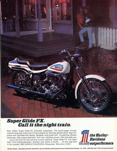 An original advertisement for 1971 Harley Davidson Super Glide FX motorcycle. Shinning under the lamp post, a super muscle motorcycle! Harley Davidson Street 500, Harley Davidson Pictures, Harley Davidson Museum, Motos Harley Davidson, Harley Super Glide, Amf Harley, American Motorcycles, Vintage Motorcycles, Vintage Bikes