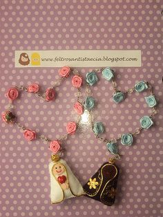 Discover thousands of images about Resultado de imagen para comunion souvenirs originales First Communion Favors, Crafts For Kids, Arts And Crafts, Catholic Crafts, Christian Crafts, Cold Porcelain, Felt Crafts, Diy Gifts, Handmade