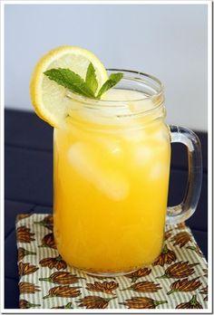 Mango Lemonade: Fresh sweet mango mixed into tart lemonade – the perfect beverage for summer!