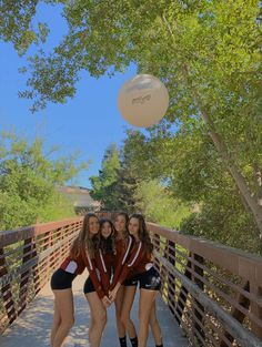 Volleyball Team Pictures, Volleyball Poses, Softball Senior Pictures, Volleyball Workouts, Volleyball Outfits, Volleyball Shirts, Senior Guys, Volleyball Setter, Senior Photos