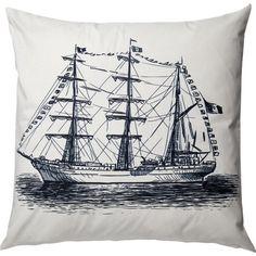 Mit diesem Kissenbezug aus reiner Baumwolle mit einem Schiffsmotiv bringt eine frische Seebrise auf Ihr Sofa oder Bett.    Product:...