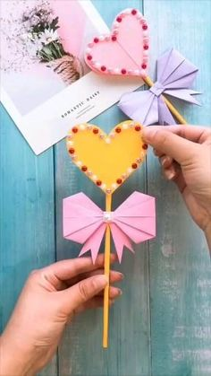 Diy Crafts Hacks, Diy Crafts For Gifts, Creative Crafts, Fun Crafts, Paper Crafts Origami, Paper Crafts For Kids, Preschool Crafts, Fabric Crafts, Diy Paper