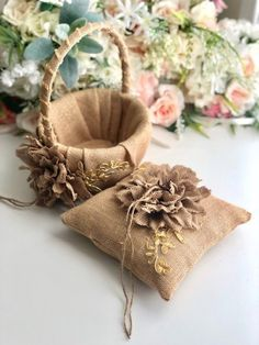 Celebrate your wedding with our rustic flower girl basket and ring bearer pillow set! PLEASE READ FI Rustic Flower Girls, Rustic Flowers, Rustic Ring Bearers, Ring Bearer Pillows, Ring Pillows, Burlap Projects, Burlap Crafts, Burlap Owl, Ring Pillow Wedding