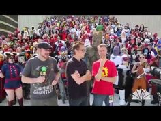 """James Gunn Leads Dragon Con Crowd in the Art of """"Grooting"""" - 4YE"""