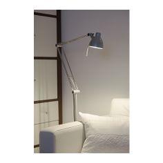 ANTIFONI Stand-/Leseleuchte IKEA Verstellbarer Arm und Kopf; so lässt sich das Licht optimal ausrichten.