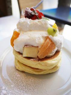 原宿レインボーパンケーキの「季節のフルーツのパンケーキ」 1000円