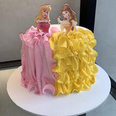 Princess Sophia Cake, Princess Smash Cakes, Princess Dress Cake, Princess Theme Cake, Disney Princess Birthday Cakes, Disney Themed Cakes, Princess Cupcakes, Sofia The First Birthday Cake, 14th Birthday Cakes