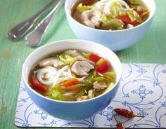 Pikantní polévka s rýžovými nudlemi