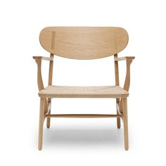 Carl Hansen&Søn: New edition of the Lounge Chair CH22 by Hans J. Wegner