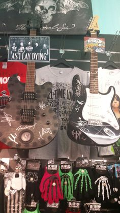 unsere Schätze! #asilaydying #alltimelow #guitar #signature #rattlesnakevienna All Time Low, Music Instruments, Guitar, Musical Instruments, Guitars