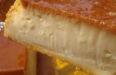 flan con limón y leche cond. Portuguese Desserts, Portuguese Recipes, Sweet Recipes, Cake Recipes, Dessert Recipes, Fondant Au Chocolat Healthy, My Favorite Food, Favorite Recipes, Bon Dessert