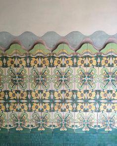 Allure of Art Nouveau. Modest Barcelona entrance hall#modest#entrance#hall#decor #decoration #decorative #design #detail #tiles#1900s #architecture #artnouveau #interior #inspiration #interiordecor #interiordesign #interiordecoration #chic #style #luxury #lifestyle #livingwithstyle #beautiful #barcelona