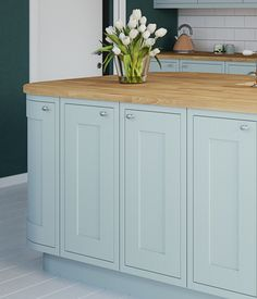 Kitchens and Baths Cheap Kitchen Makeover, Modern Kitchen Cabinets, Kitchen Remodel, Living Room Kitchen, Best Kitchen Designs, Kitchen Decor Modern, Home Decor Kitchen, Kitchen Styling, Apartment Kitchen
