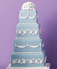 Blue WEdding Cake / Maureen P. Duffy, Floral Park, NY / An appreciation for classic Wedgwood led to Duffy's sophisticated creation. Rolled fondant with sugar-paste flowers and pressed garlands. Creative Wedding Cakes, Beautiful Wedding Cakes, Gorgeous Cakes, Pretty Cakes, Amazing Cakes, Creative Cakes, Elegant Wedding, Sugar Paste Flowers, Square Wedding Cakes